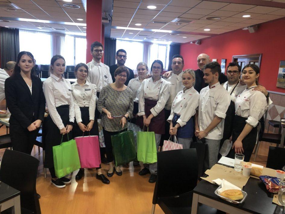 Estudiantes Polonia